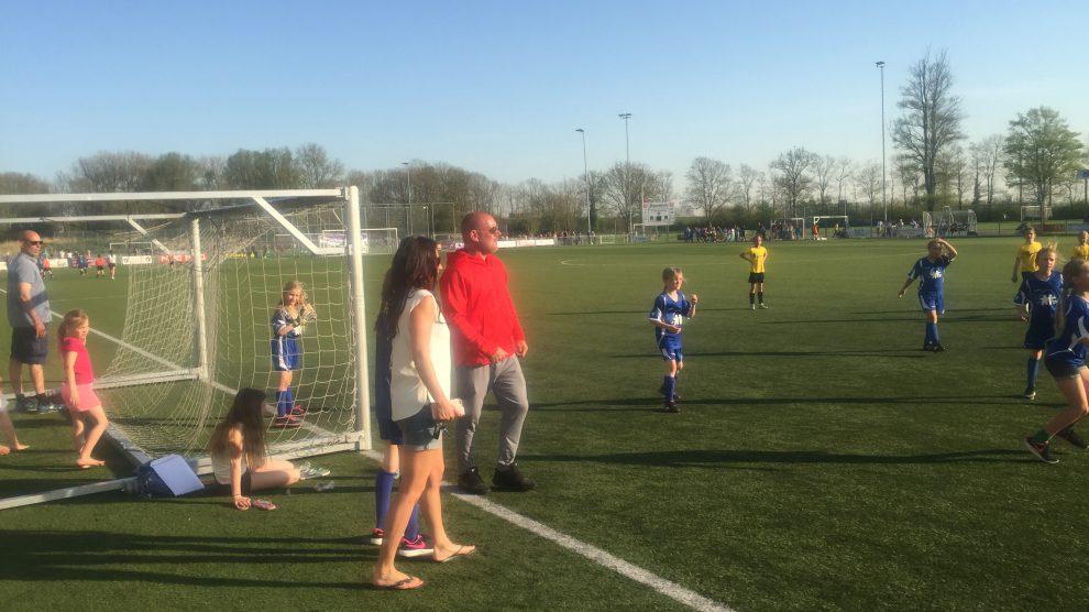 Schoolvoetbal vv Zwanenburg